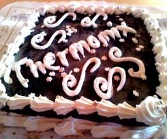Tarta de carbon dulce y chocolate blanco con bizcocho de chocolate