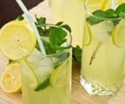 Limonada con hierbabuena